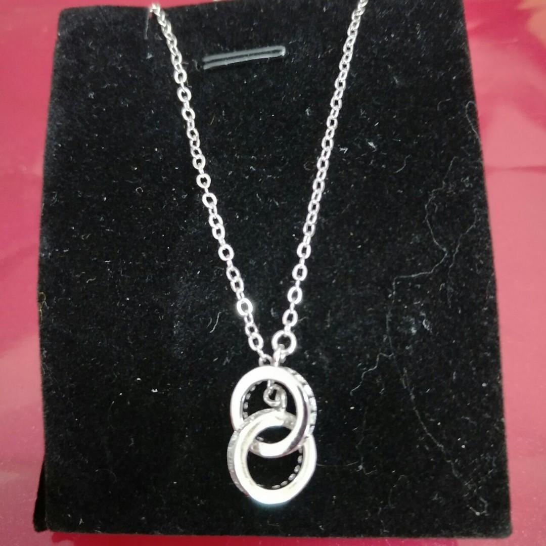 我有個商品要賣『時尚有型銀項鍊戒指(刻925)特價2個599各一個唷』,售價$399!快到我的店鋪看看吧!=>https://shopee.tw/qiaomonu/6801981919 #蝦皮購物