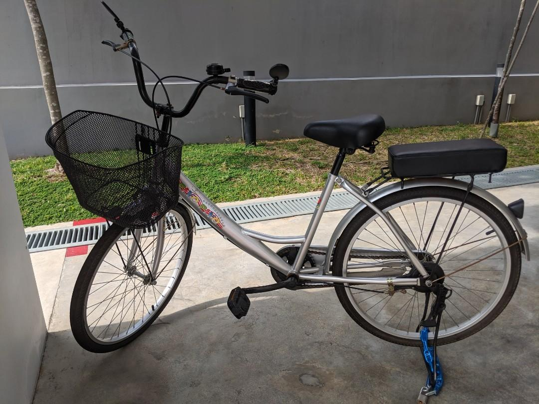 Bicycle/ ladies bicycle with free accessories