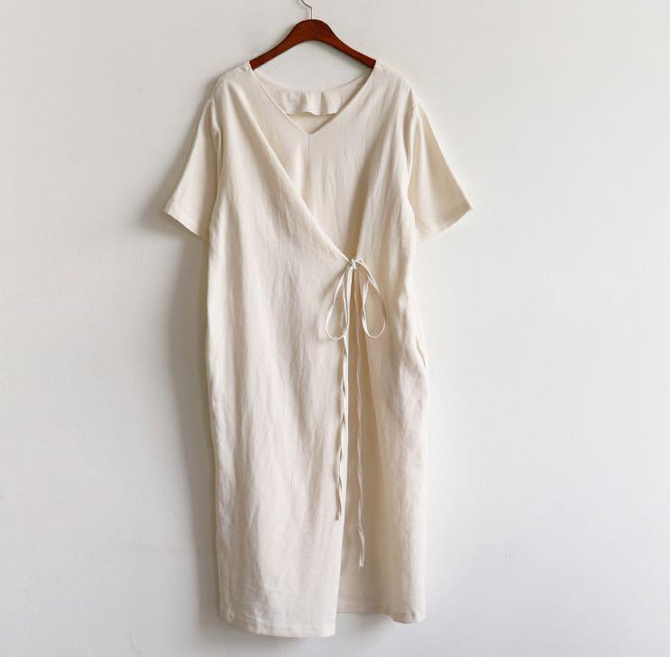 Cream/White Dress