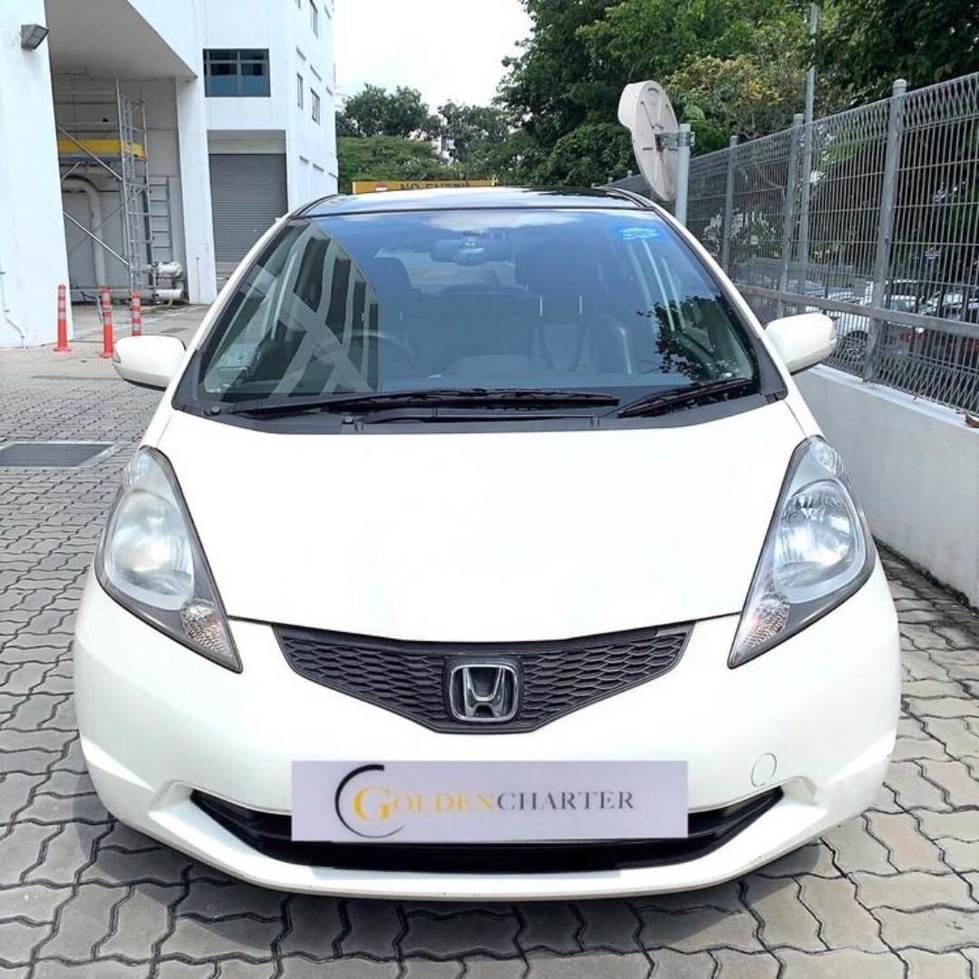 Honda fit with sunroof For rental! Personal gojek grab tada ryde