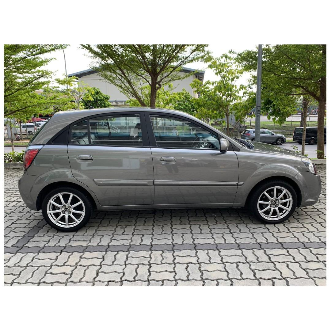 Kia Rio 1.3A - Many ranges of car to choose from, with very reliable rates!