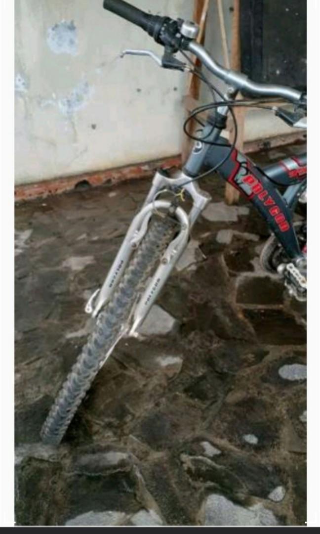Sepeda Gunung Polygon Tangi