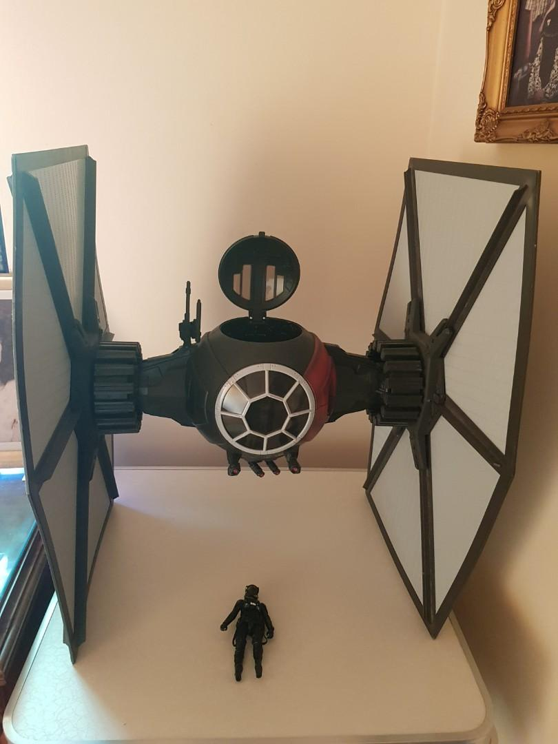 Star Wars -  First Order Special Forces TIE Fighter Deluxe
