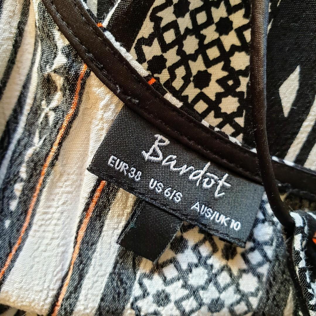 Women's size 10 'BARDOT' Gorgeous graphic print racerback viscose top - AS  NEW
