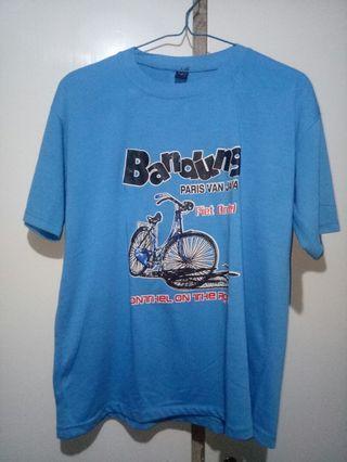 Kaos Biru dari Bandung