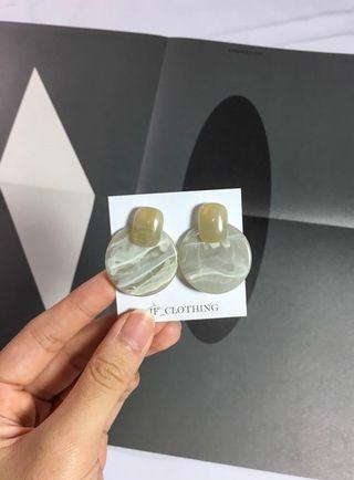 Earring | if__clothing 琥珀圓耳環(灰)、琥珀耳環、大理石耳環、韓國耳環