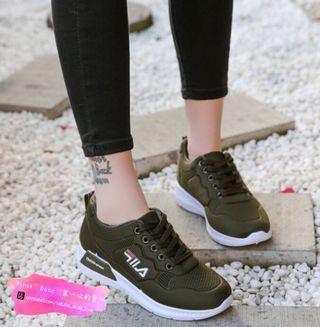 Army Green Sneaker / Sport Shoes 👟  軍綠色運動鞋