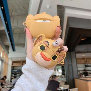 【肉肉3C】現貨-獅子王辛巴Apple airpods保護套 無線藍芽耳機保護套 蘋果耳機 蘋果保護套 獅子王耳機套 3C小物