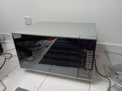 Panasonic Inverter Microwave Oven NN-GF560N