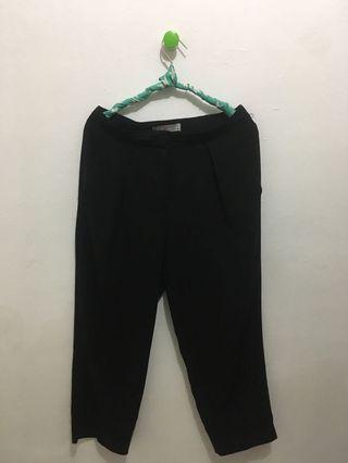 Black pants 3/4
