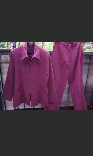 Setelan jas wanita pink like new