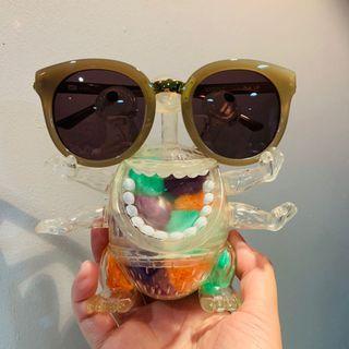 全新✨吊牌未拆 美國品牌 NYBK 抗UV超大鏡框小臉墨鏡🕶️ 褐色塑框深色鏡片 太陽眼鏡 沙發選物購入 時尚穿搭必備