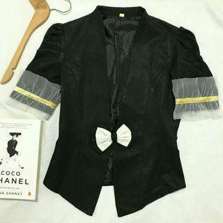 Preloved black puff sleeves blazer office look / blazer hitam kawai murah