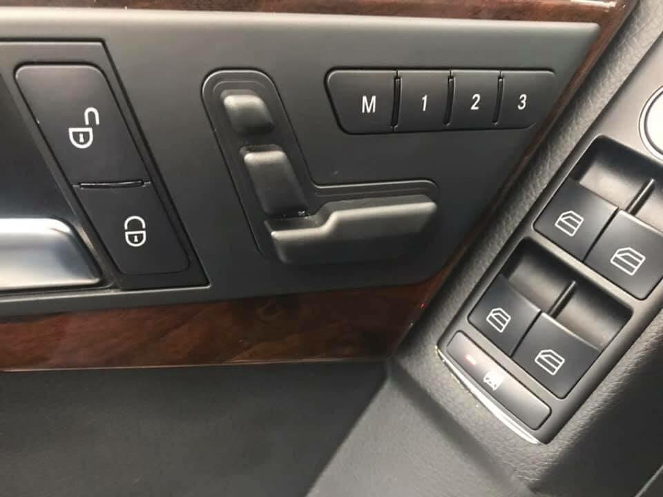 2013 GLK 350小改款 好爸爸首選 帶家人上山下海 家庭必備良車 全景天窗~大螢幕~電尾門~記憶座椅~電熱椅
