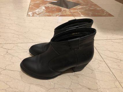 韓妮 牛皮v型短靴