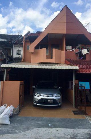 Double Storey Taman Sri Gombak with balcony. Move in condition & reno unit