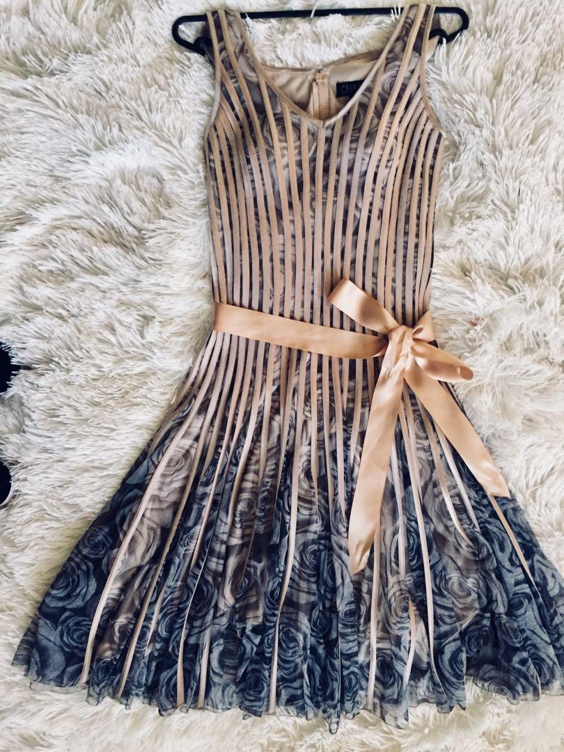 Chase7 Dress sz 8  (Races, Spring  Carnival, Formal)