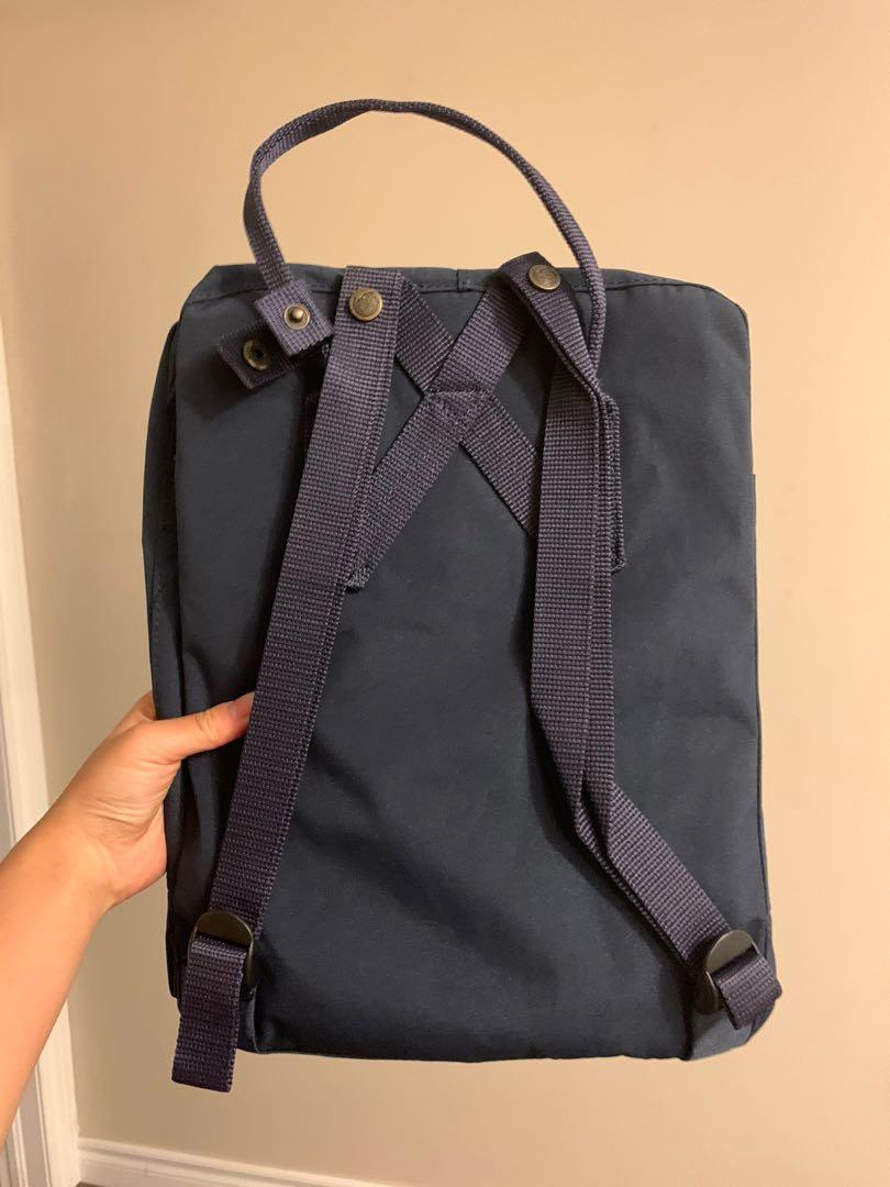 FJALLRAVEN KANKEN (BRAND NEW WITH TAGS) NAVY BACKPACK