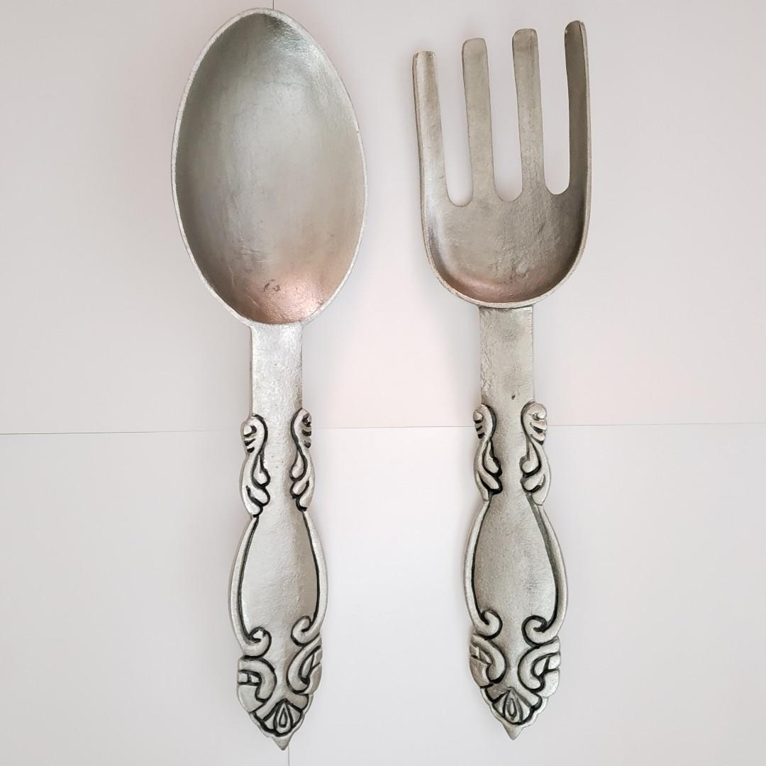 Giant Silver Metal Fork & Spoon Wall Decor / 巨型銀色金屬叉匙羹掛牆裝飾