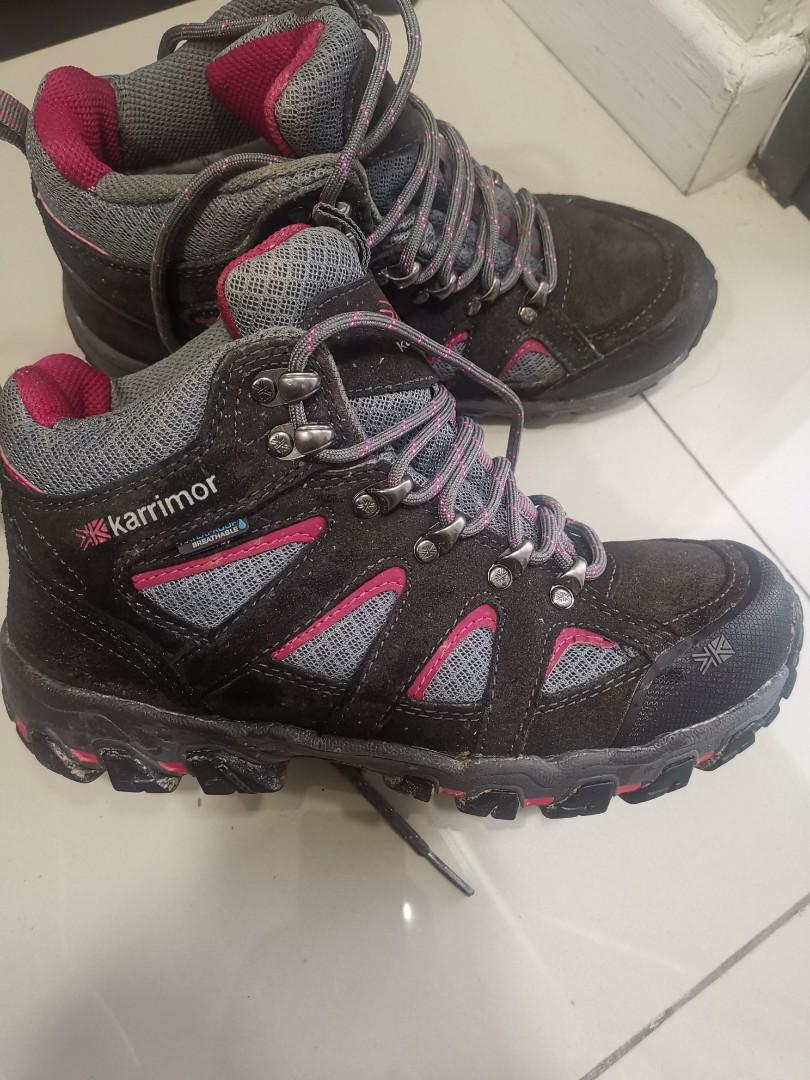 Hiking Shoes for woman feet size 5