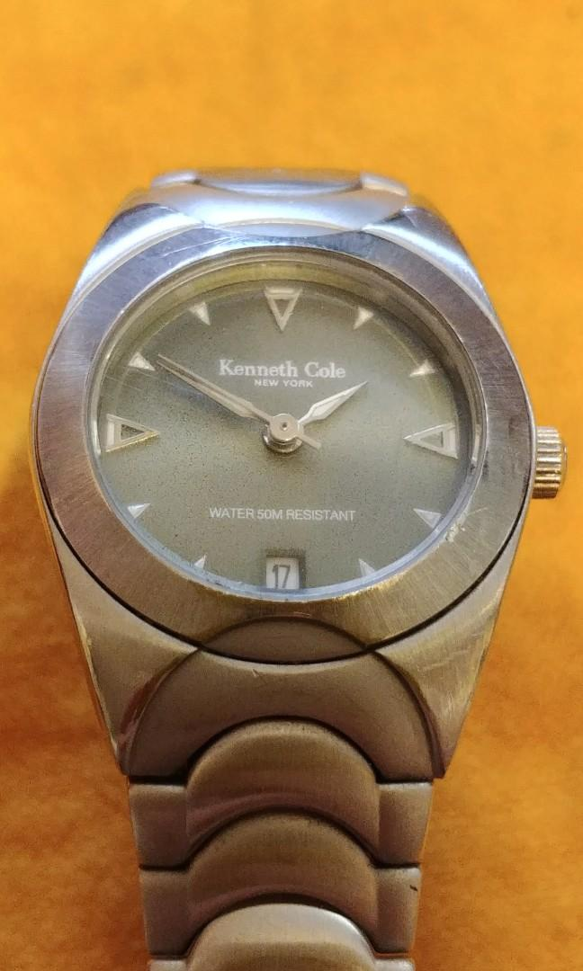 Kenneth Cole female s/steel date eatch