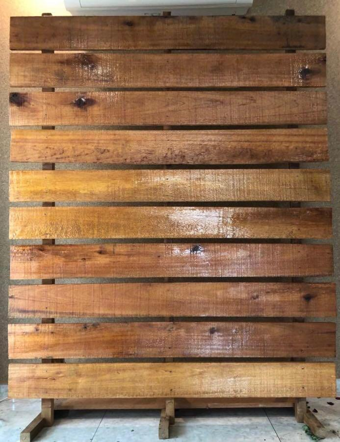 Rustic Wooden Pallet Backdrop For Rent