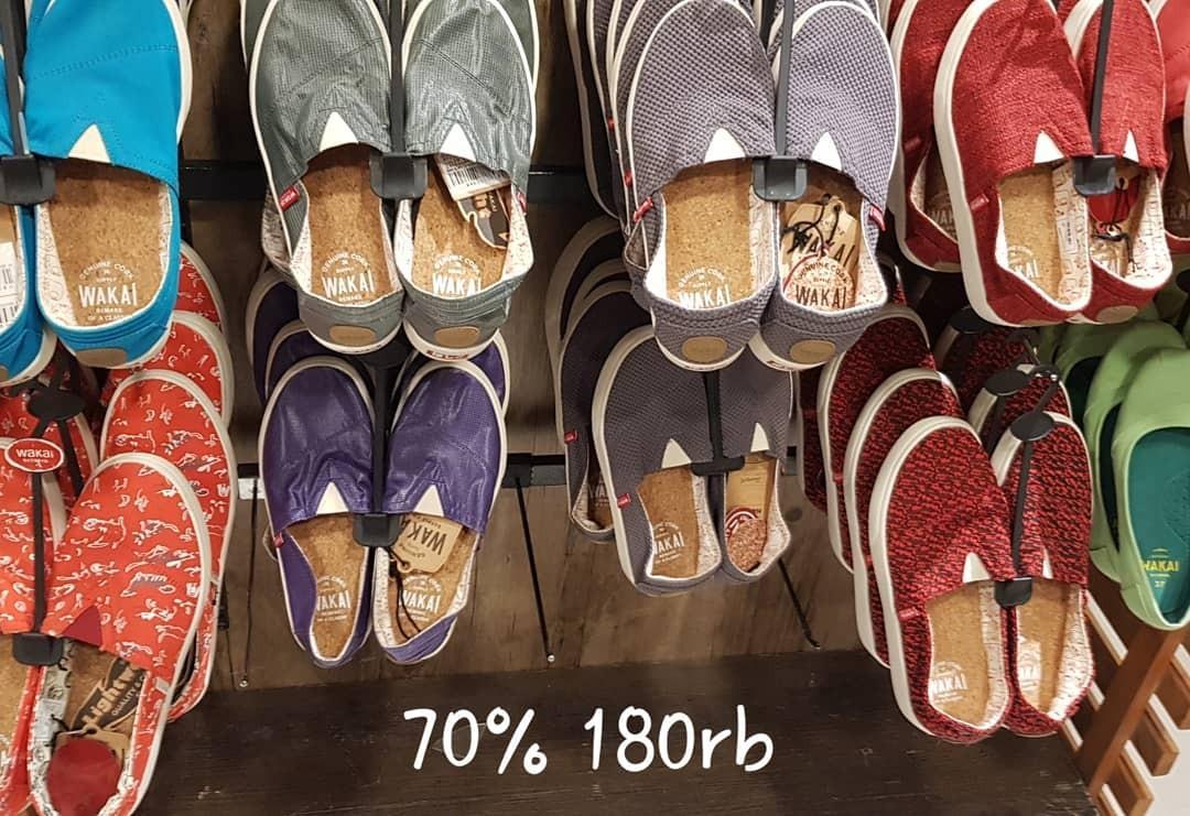 Sepatu anak wakai dan kohai