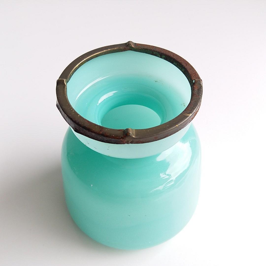 Vintage Jade Green Color Glass Tea Light Candle Holder / 復古翡翠綠玻璃蠟燭台