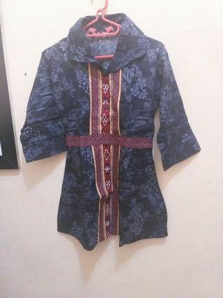 #maugendongan baju batik