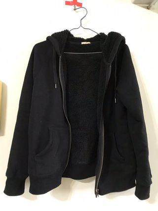 二手 GU 內裏毛絨絨 純黑色外套