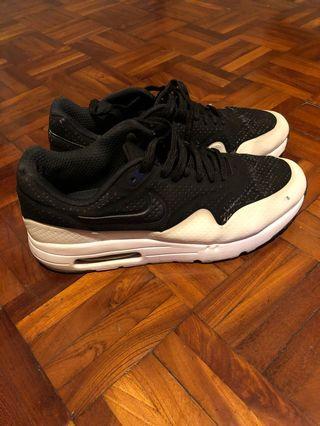 Nike殺人鯨 us8.5