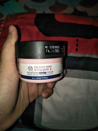 The Body Shop Vit E ( Night Cream)