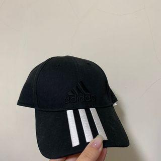 Adidas 愛迪達帽沿三線帽(黑底白線)🖤