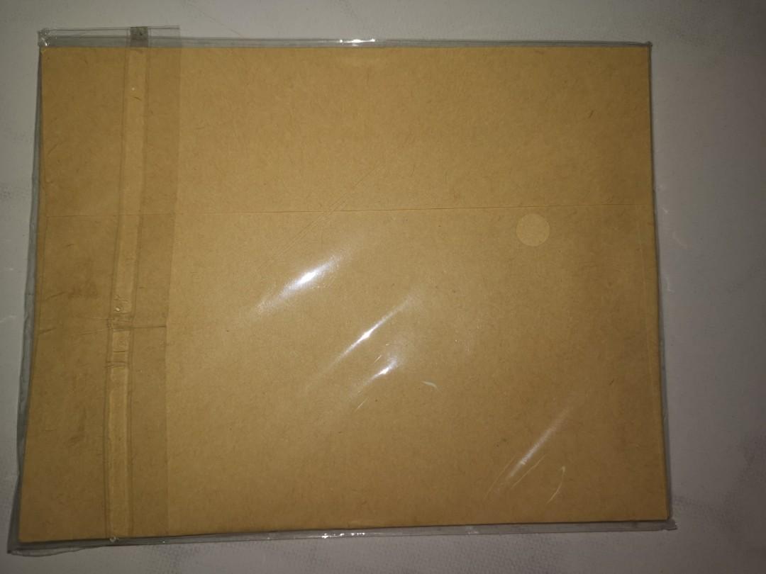 全新的牛皮紙袋(中)