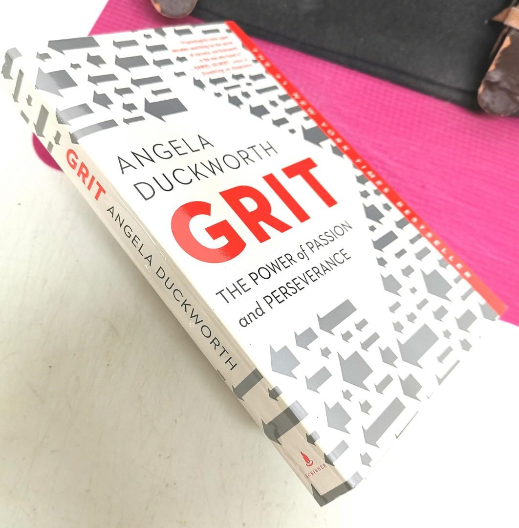 """《BRAN-NEW PAPERBACK ! + TED Talks Speaker + Must-Read Book For Anyone Strive To Succeed》ANGELA DUCKWORTH - GRIT """"坚毅"""": THE POWER OF PASSION AND PERSERVERANCE"""