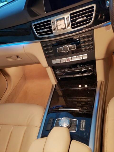 MERCEDES-BENZ E200 2013