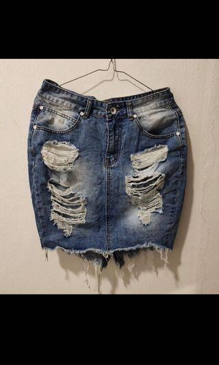 skirt jeans / rok mini jeans / ripped jeans