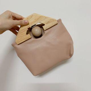 西班牙品牌 羊皮木質休閒復古小包 肩背小包