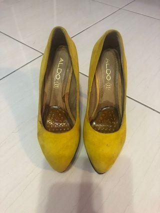 Aldo黃色高跟鞋