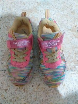 Sepatu Skechers warna warni