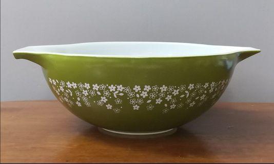 Pyrex spring blossom cinderella mixing bowl