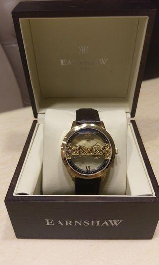 Thomas Earnshaw直線機芯手上鏈腕錶