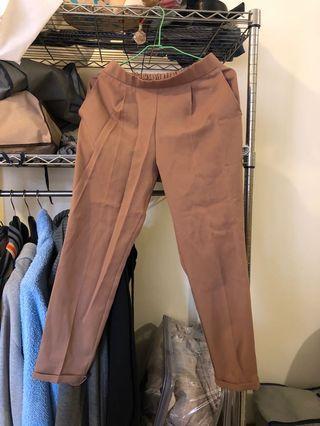 #5折出清衣櫃-西裝褲式可休閒可正式,僅下水。鬆緊褲頭,可穿至m