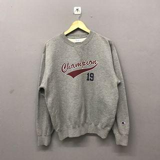 Champion Spellout Gray Sweatshirt