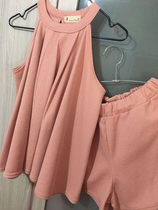 粉色挖肩套裝