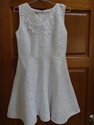伴娘裝~白色蕾絲洋裝