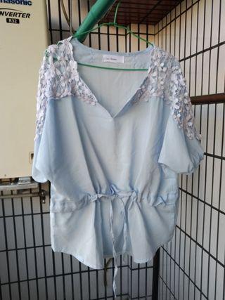 正韓 水藍色花朵裸空上衣