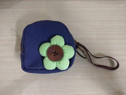 藍底綠小花包