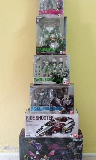 Set Shf Kamen Rider Ryuki Series Magnugiga, Genocider, Knight, Zolda, Raia, Ride Shooter