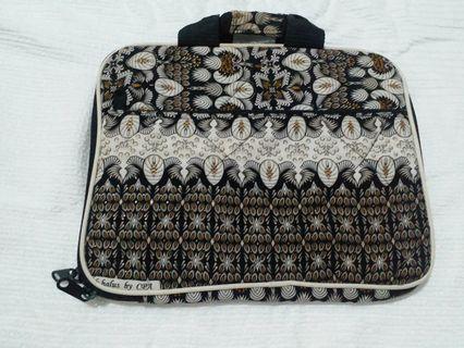 Laptop case batik halus #Maugendongan